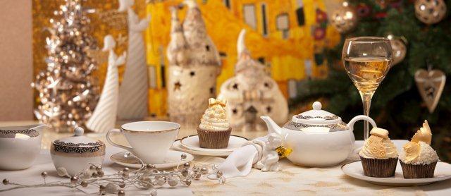Elegancko nakryty stół na Święta - naczynia i dodatki Home & You