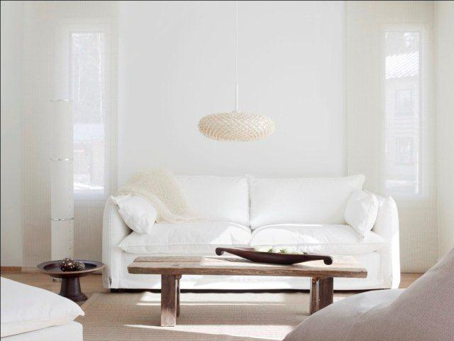 Monochromatyczne białe mieszkanie. Ściany pomalowane farba Tikkurila