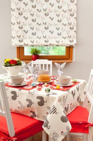 Czerwono-białe tkaniny - pomysł na  wielkanocną dekorację