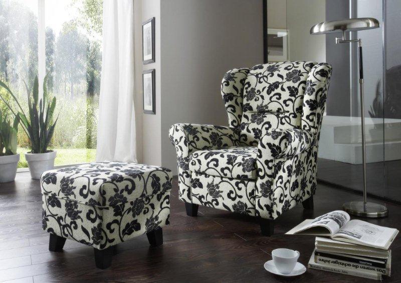 Fotel i puf z oferty Primavera Furniture