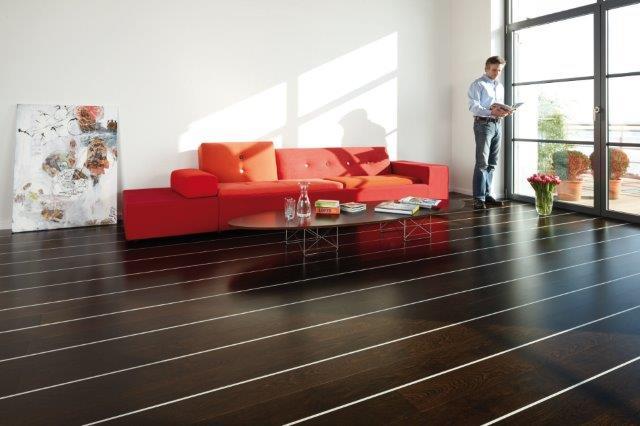 BOEN podłoga drewniana z listwą dekoracyjna