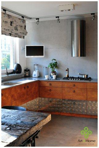 Matowa wylewka epoksydowa na podłodze w kuchni - projekt Art of Home