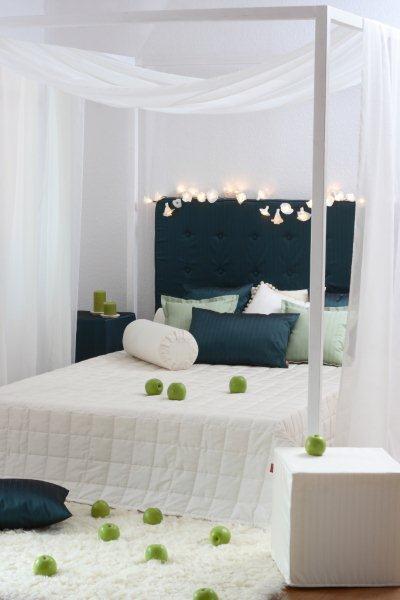 Sypialnia urządzona tkaninami z serii Rosalia Dekoria.pl
