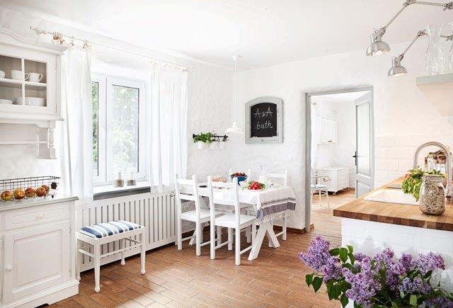 Kuchnia w bieli - Jola Skóra/MAKATA, stylizacja A&A Bath