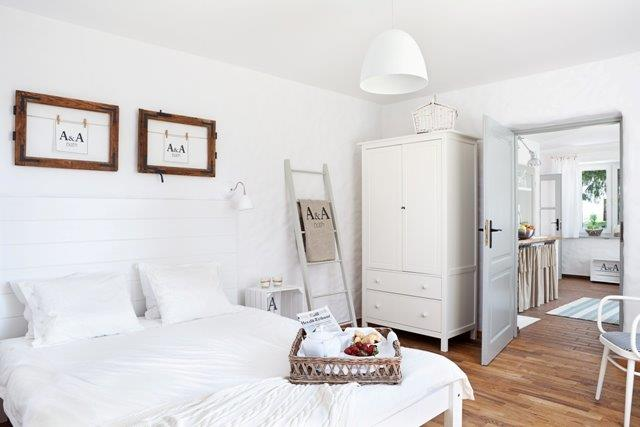 Sypialnia w stylu skandynawskim - Jola Skóra/Makata, stylizacja A&A Bath