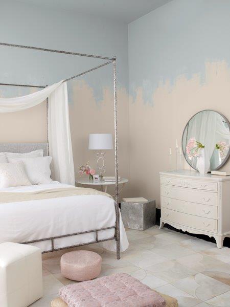Kobieca sypialnia we współczesnym stylu skandynawskim; fot. Benjamin Moore.