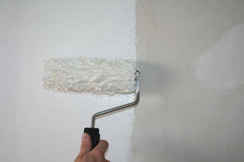 Gruntowanie ścian gruntem firmy Bolix