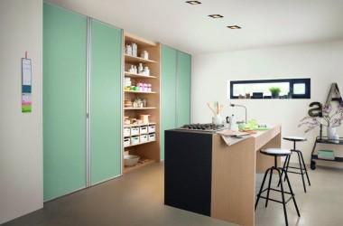 Szafa w kuchni – więcej czy mniej miejsca w kuchni