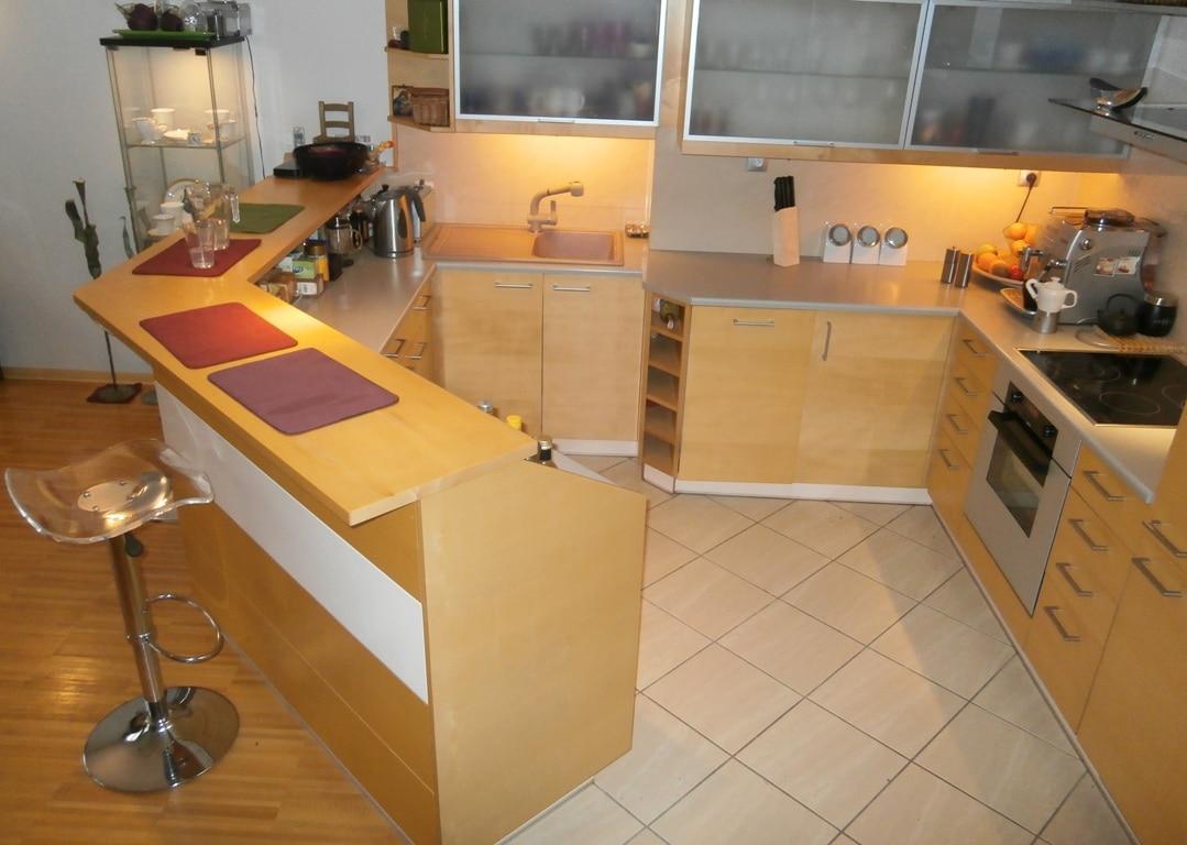 Widok na kuchnię - zdjęcie przygotowane przez pytanieomieszkanie.pl