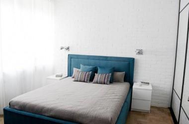 Malowanie sypialni; jak rozjaśnić ciemny pokój dzięki home stagingowi