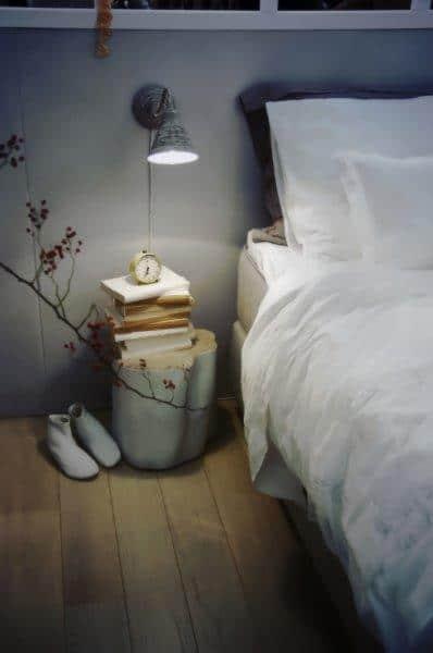 Warto zadbać o dobre oświetlenie przy łóżku