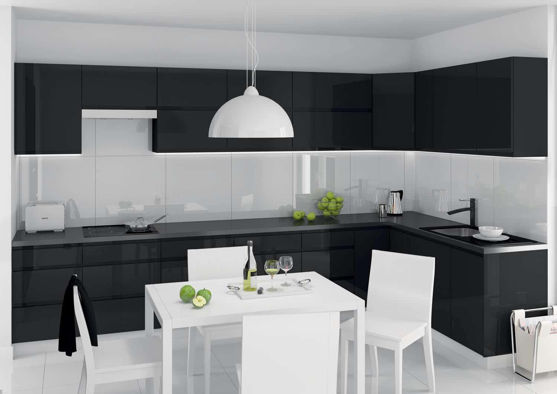 Kuchnia z czarnego laminatu - model Unik BlackA3 02; Castorama