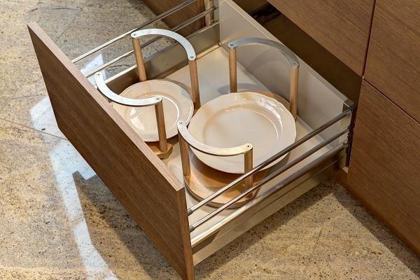 głębokie szuflady kuchenne