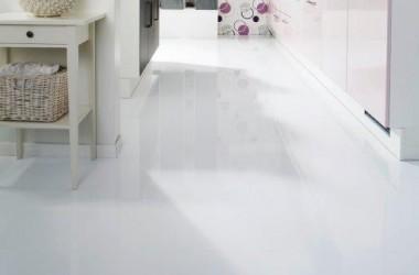 Kolorowe panele podłogowe; również do kuchni i łazienki