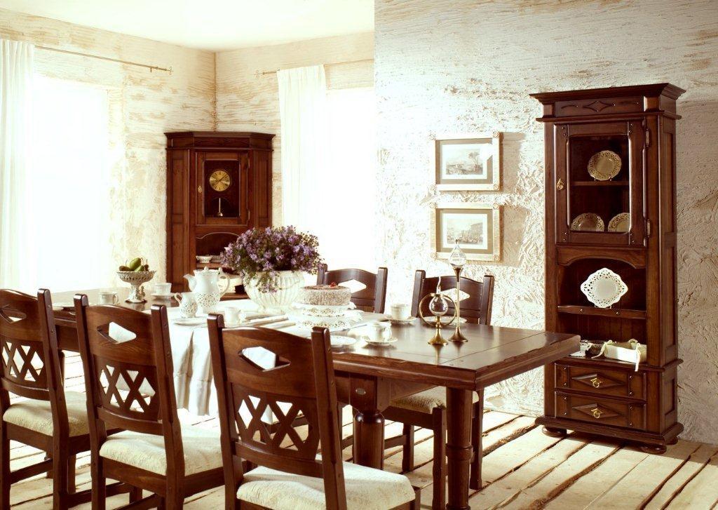 Zegar stojący Arkadia w klasycznej jadalni