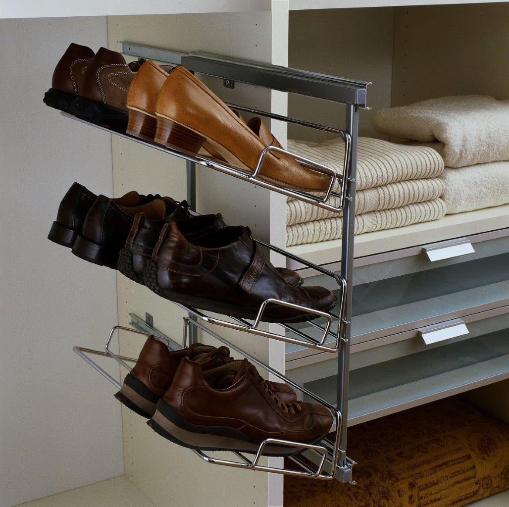 Wysuwana pólka na buty montowana do ściany - prod, Raumplus