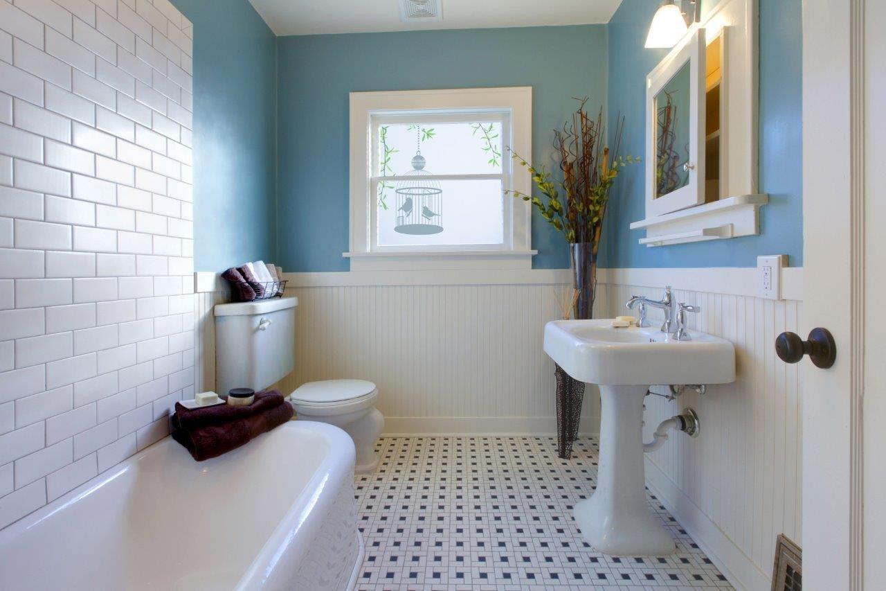 folia okienna w łazience