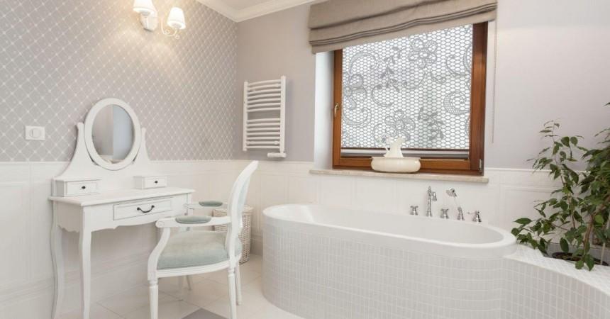 Bardzo dobryFantastyczny Na okna w łazience – folia szroniona zamiast rolet | Okna i drzwi MH39