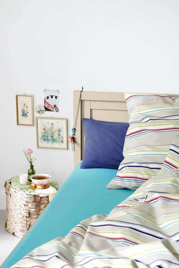 sypialnia małe mieszkanie