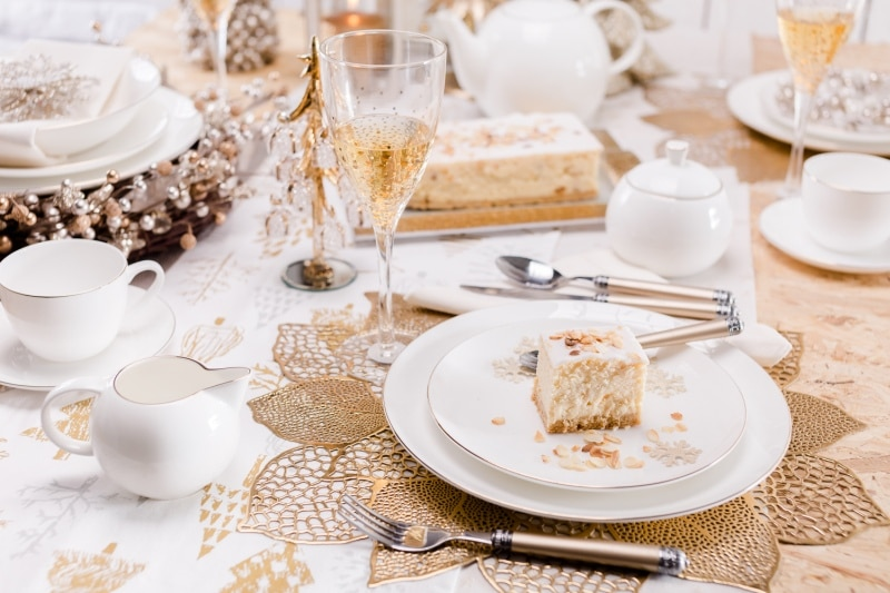 Biało-kremowa zastawa stołowa - Home&You