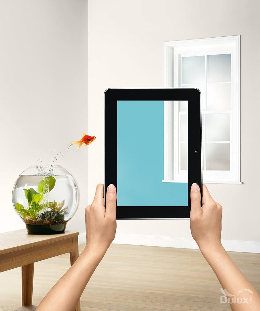 Visualizer pomagający wybrac kolor farb Dulux na tablet