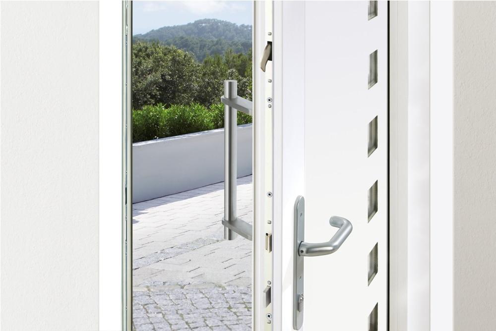Drzwi wejściowe z zamkiem STV Winkhaus