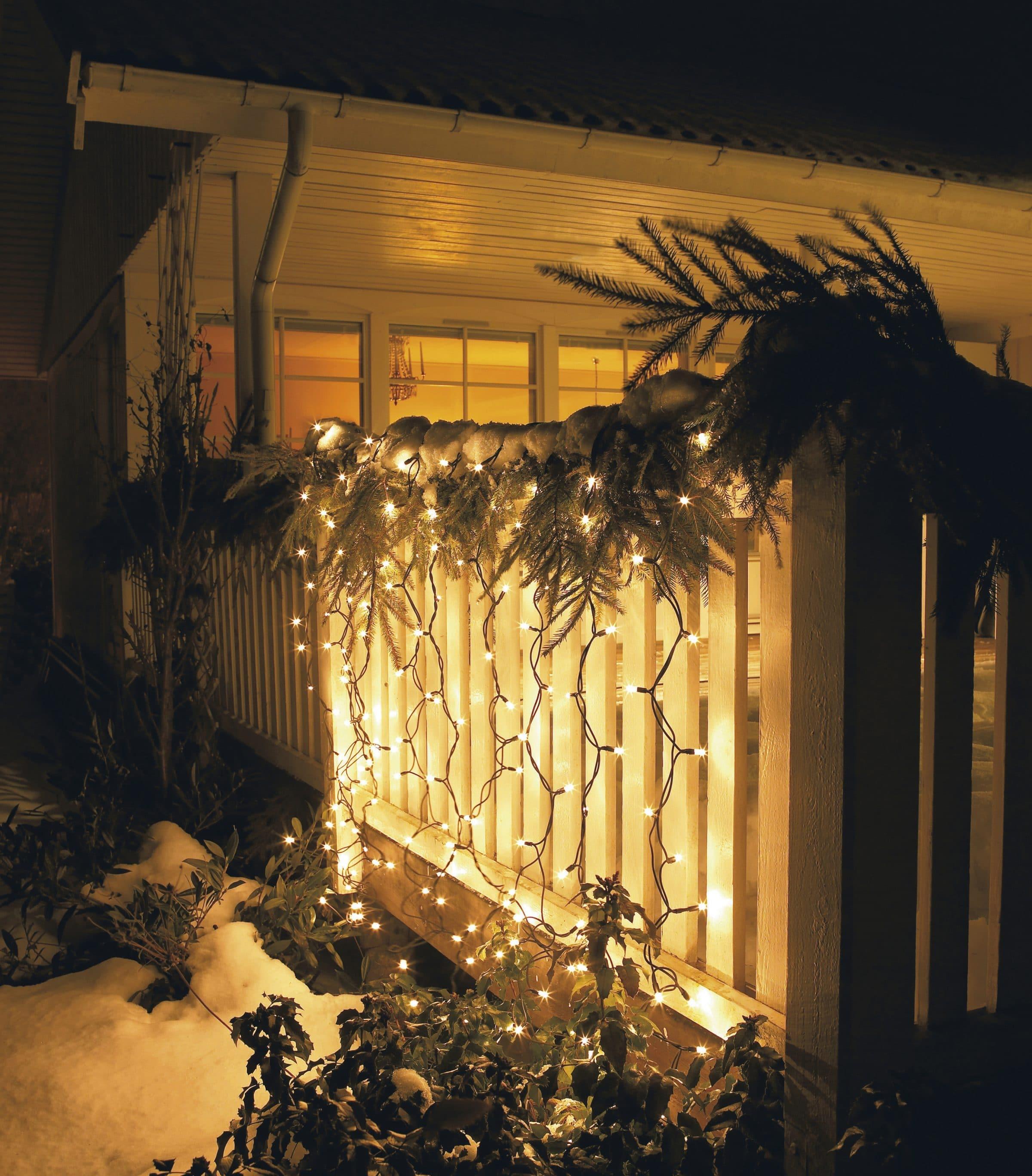 Zasłona świetlna LED, IP44, 1 x 1 m, 49,99 zł, sklep Jula
