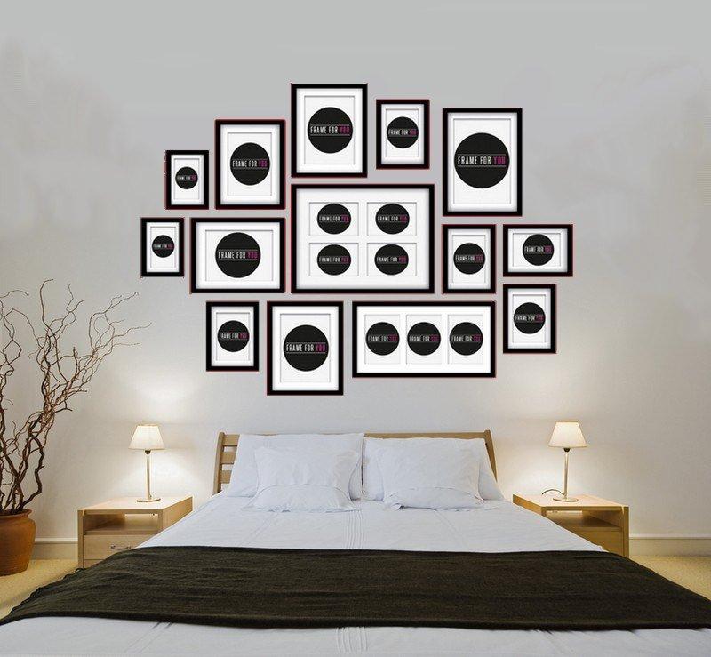Dekoracja z ramek ociepla minimalistyczną  sypialnię