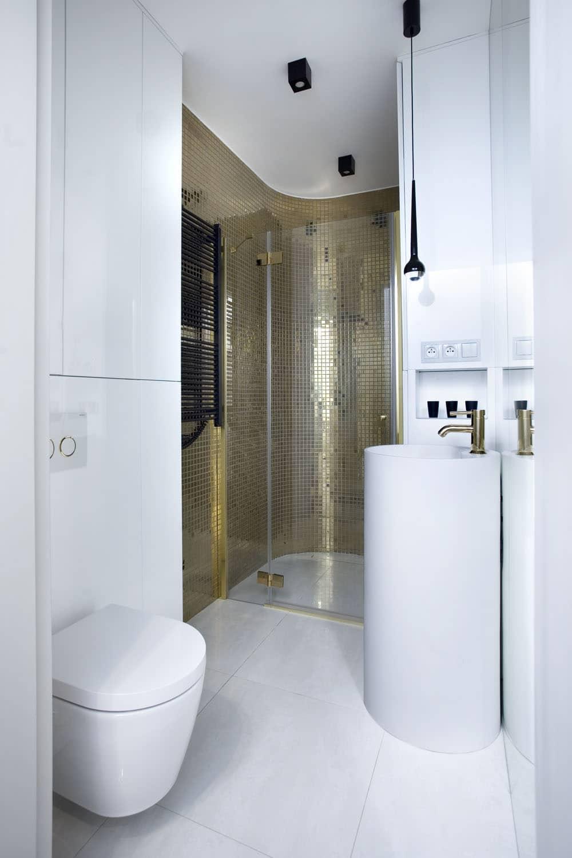 Pracownia_KAZA - łazienka z prysznicem we wnęceekorian_Oaza_kobiecosci_prysznic