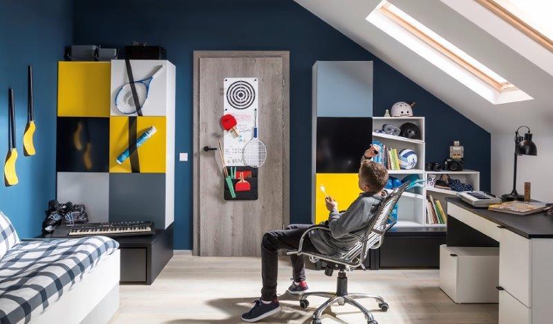 Drzwi SMART w pokoju młodzieżowym