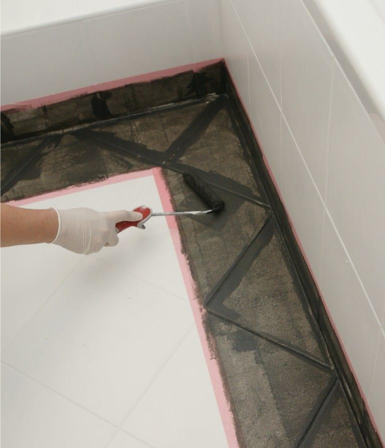 Malowanie podłogi farbą V33