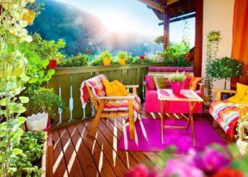 Mała architektura ogrodowa – meble ogrodowe z tworzywa, drewna czy z betonu?
