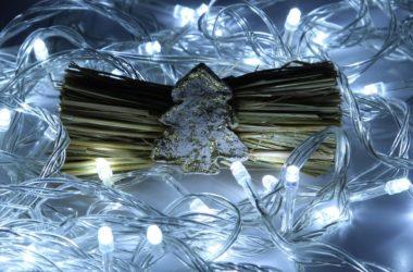Ozdoby bożonarodzeniowe – stroiki i światło LED