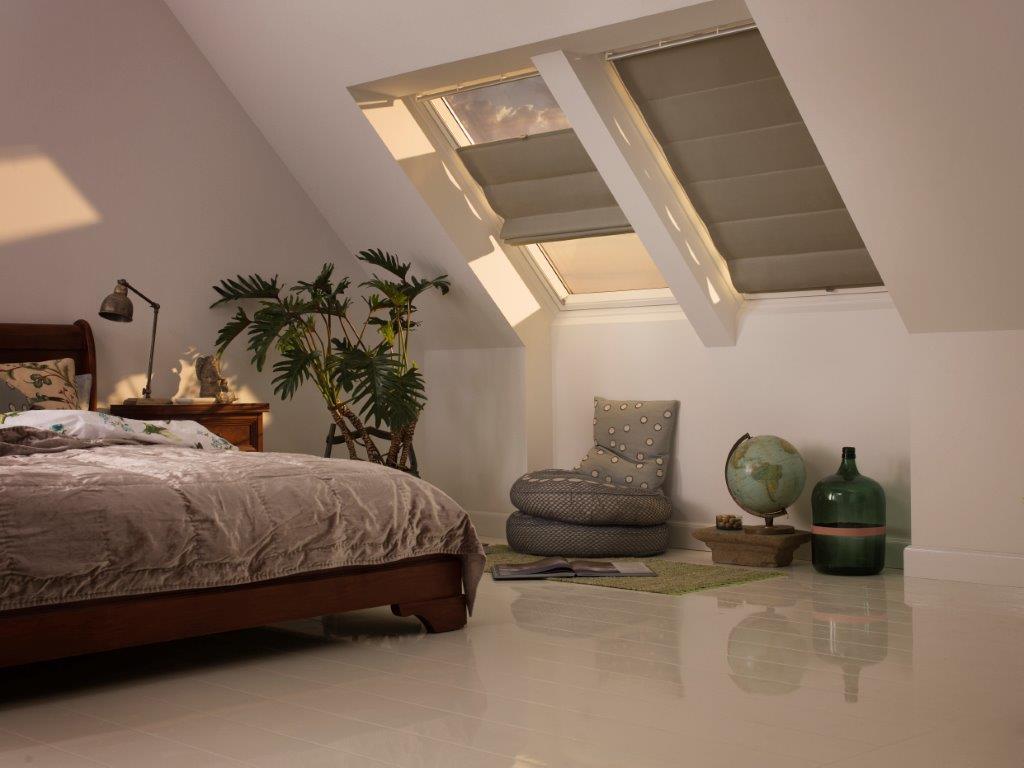 Rolety rzymskie na oknach dachowych - VELUX