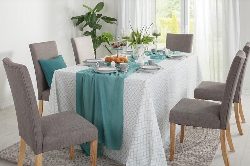 Stół wielkanocny w pastelach