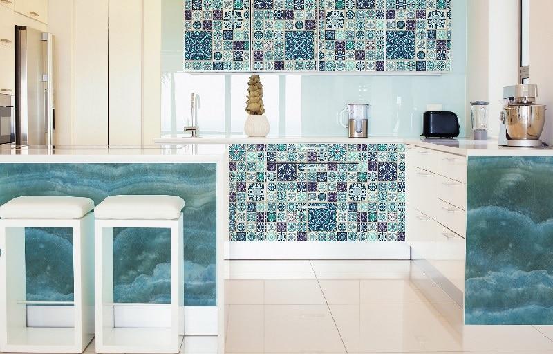 Orientalny niebieski w kuchni