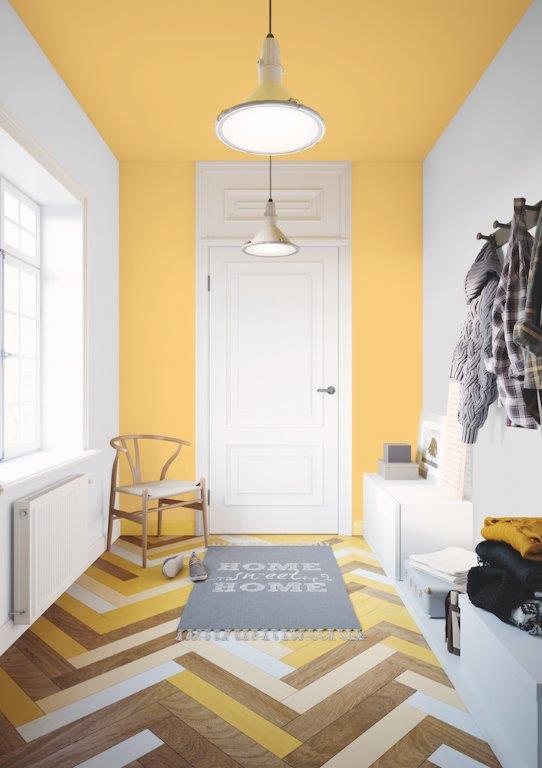 Jasny biało-żółty przedpokój - Dekoral