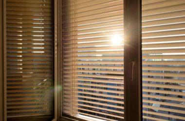Żaluzje: jak wyciągnąć na światło dzienne charakter wnętrz?