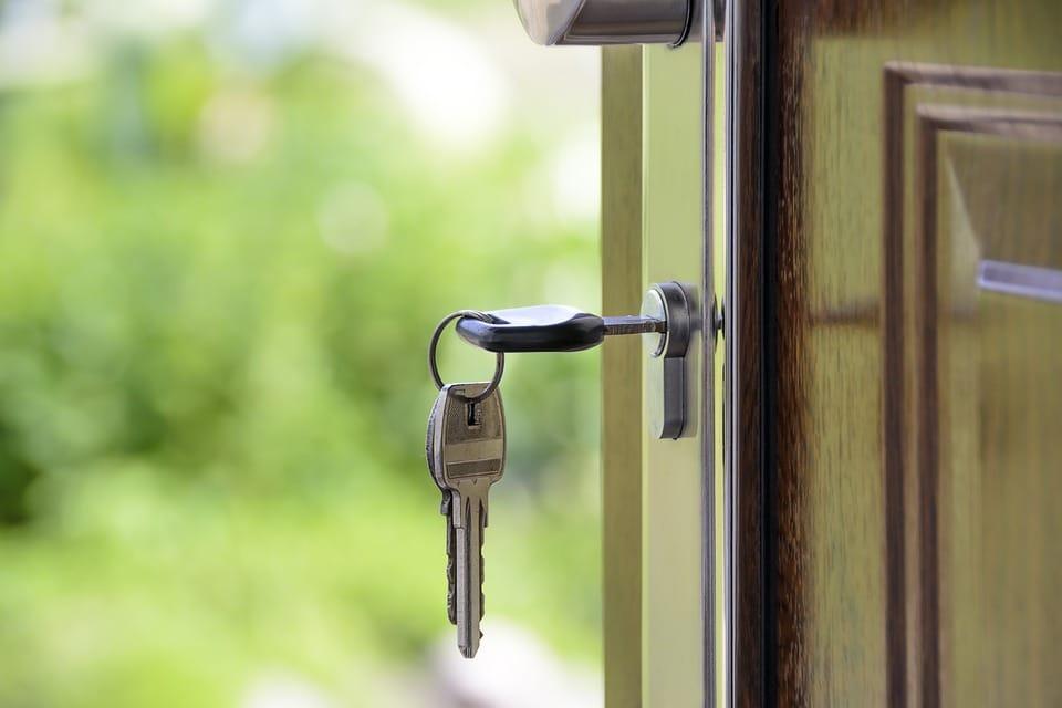 Dobre zabezpieczenie drzwi wejściowych