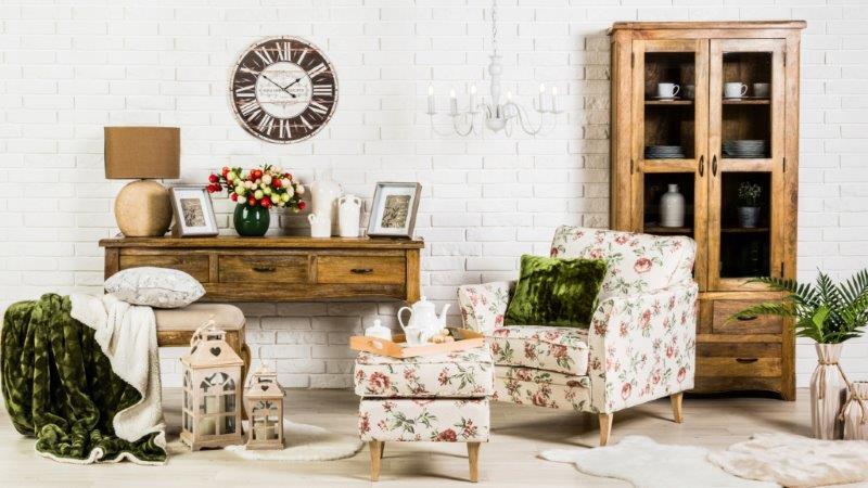 Fotel i podnóżek w kwiaty; Salony Agata