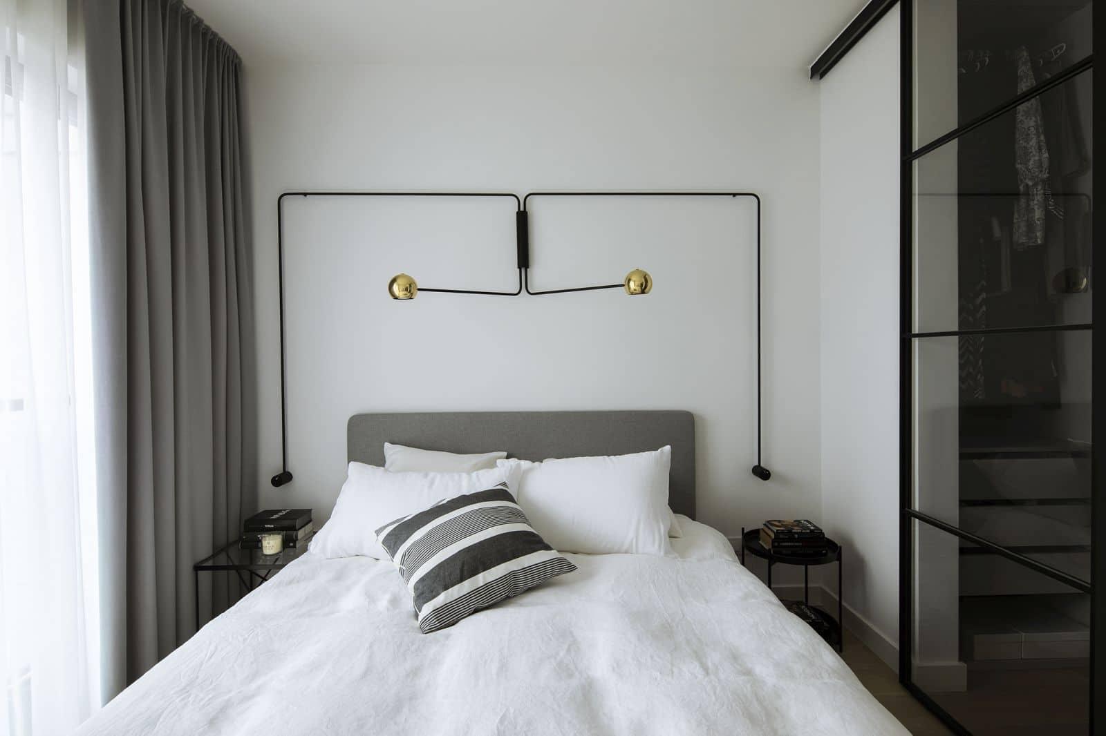W sypialni nowoczesne oświetlenie Ultralight