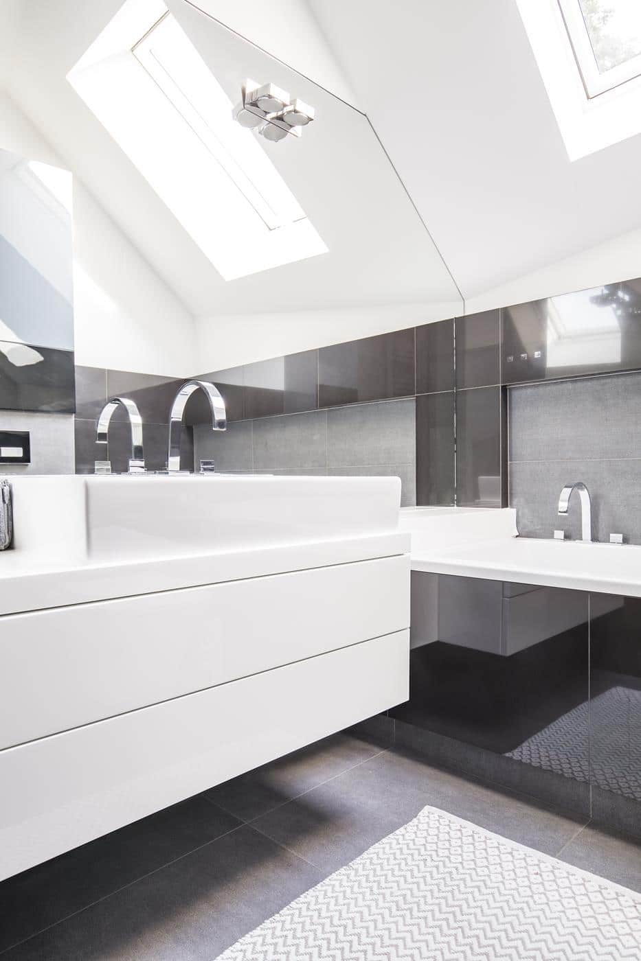 jak projektować biało czarną łazienkę