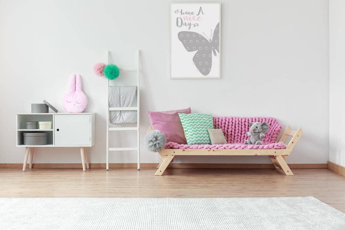 Pokój dla dziecka z sofą