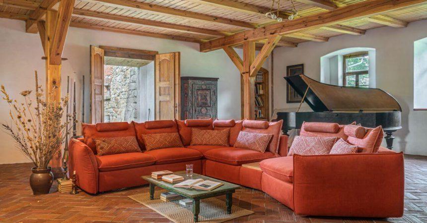 Południowy szyk w salonie – akcenty w kolorze terrakoty