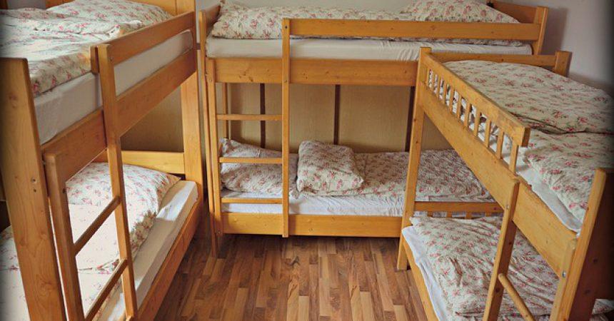 Łóżko piętrowe 3 osobowe – ile kosztuje i kiedy warto je kupić?