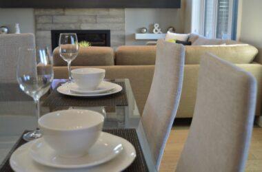 Jak urządzić minimalistyczny salon z jadalnią? Wskazówki