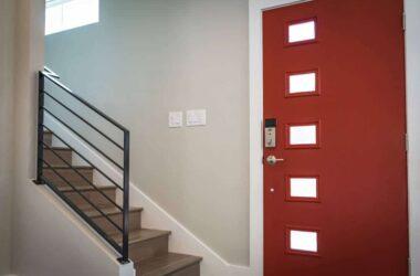 Co warto wiedzieć przed zakupem drzwi zewnętrznych?